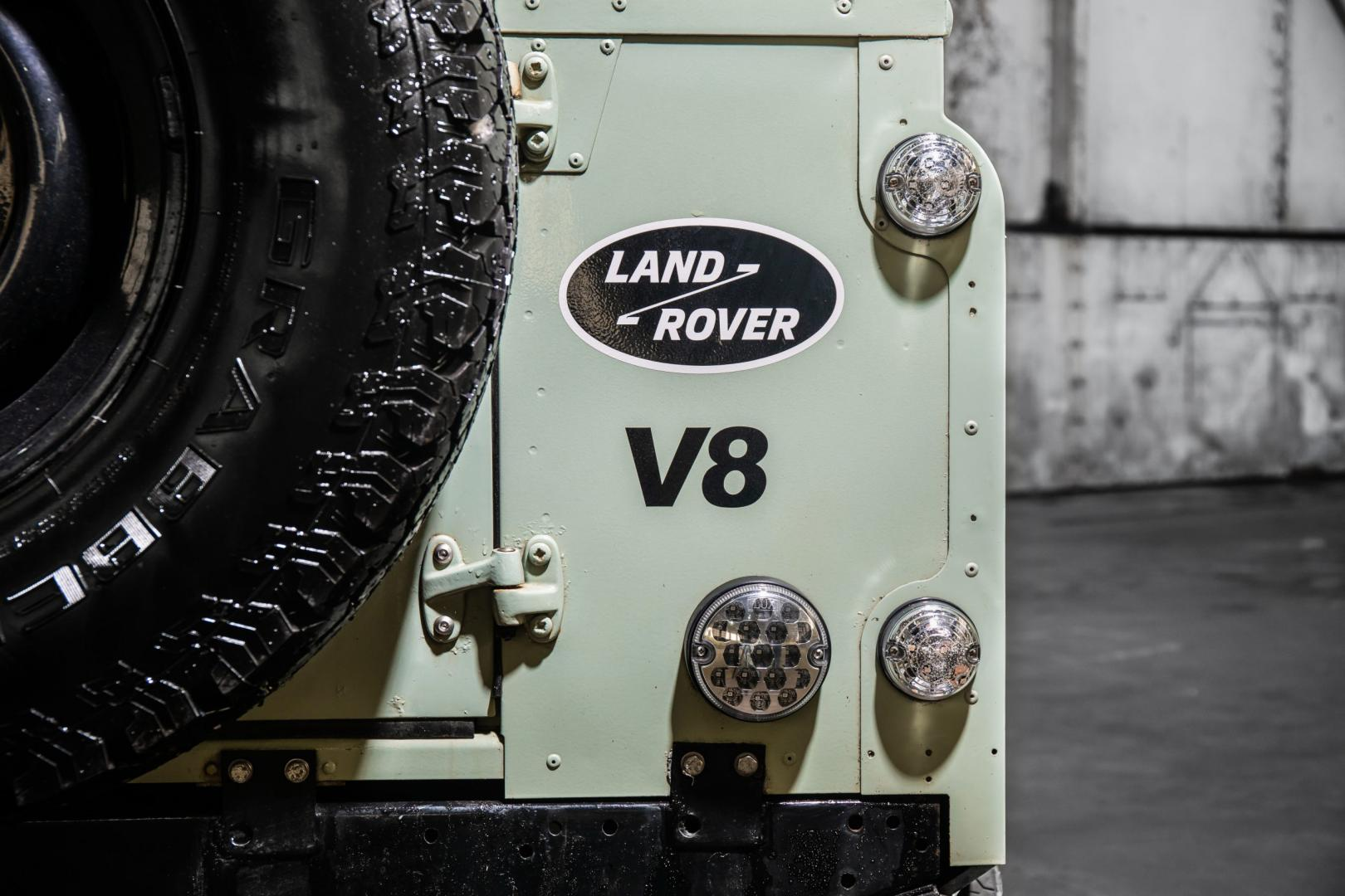 Land Rover Defender nieuw vs oud