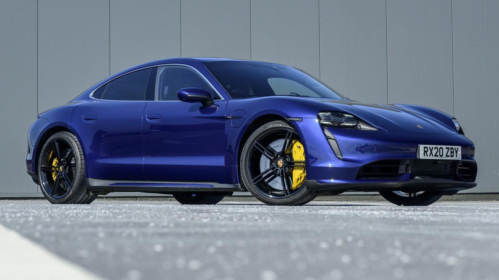 Porsche Taycan Turbo Blauw