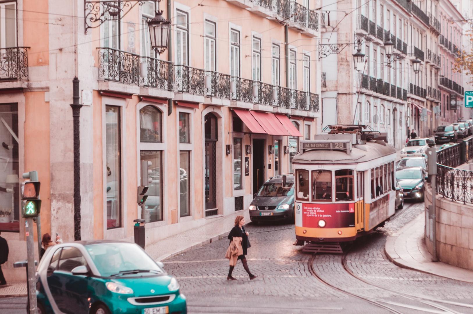 Smart en Tram in een stad