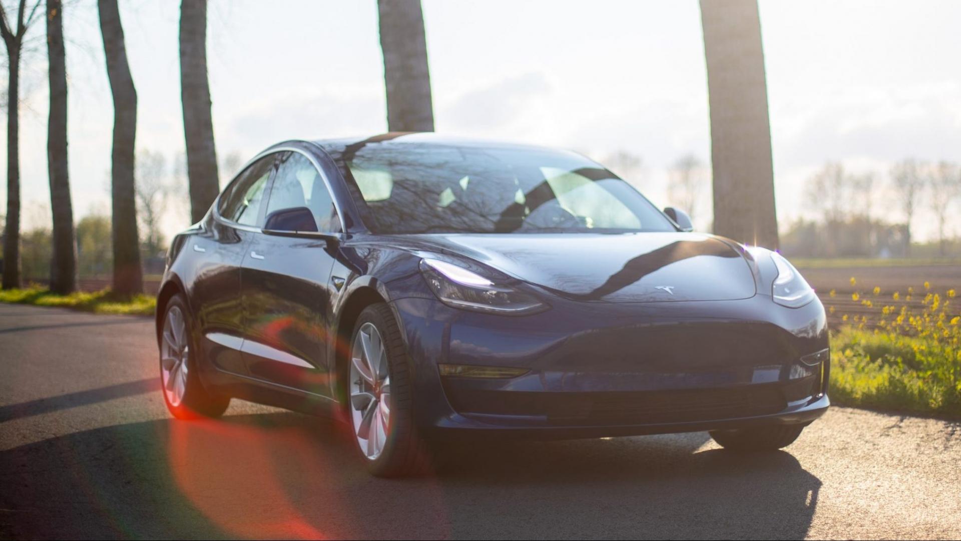 Man bestelt per ongeluk 28 Tesla's online