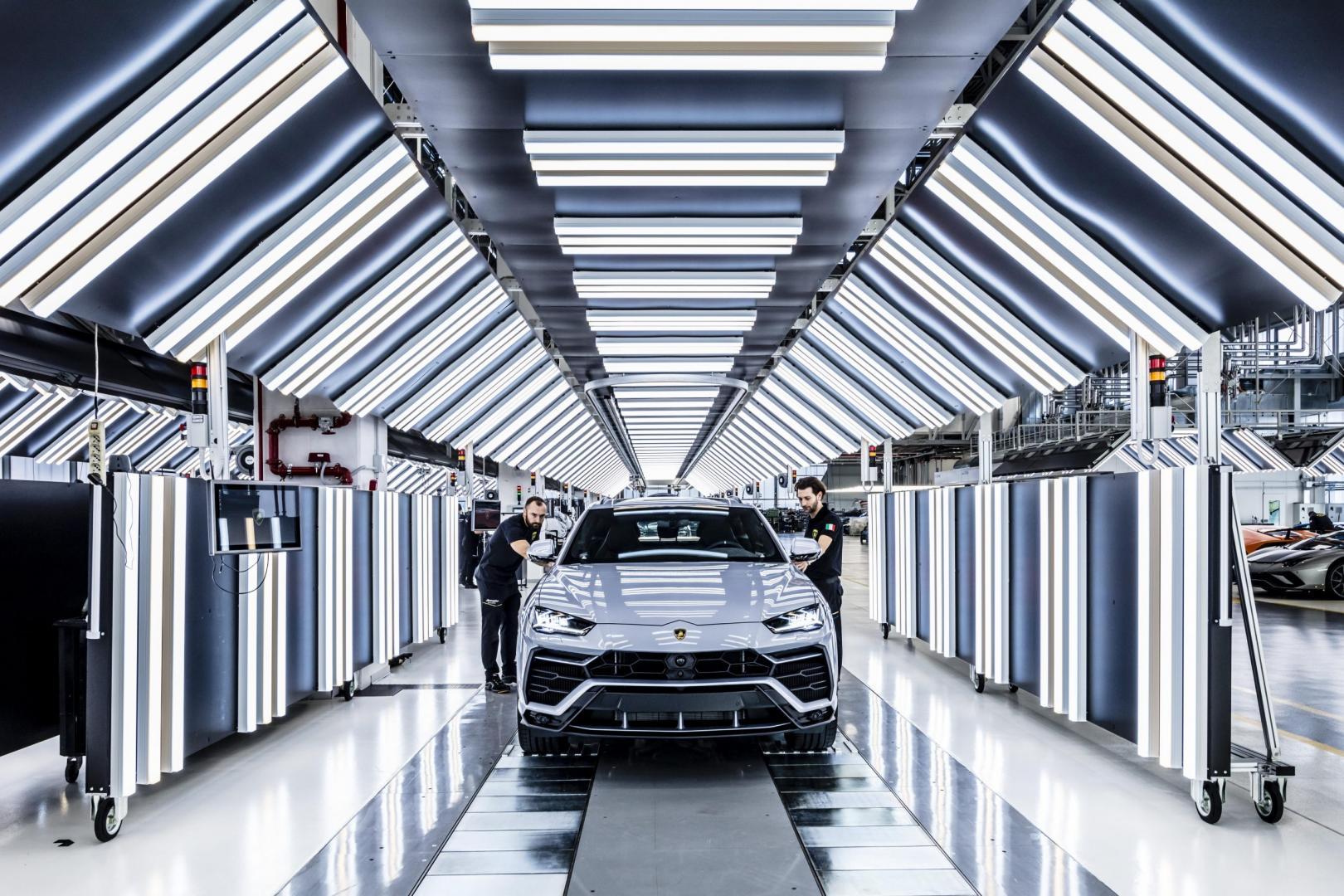 Lamborghini Urus in de fabriek