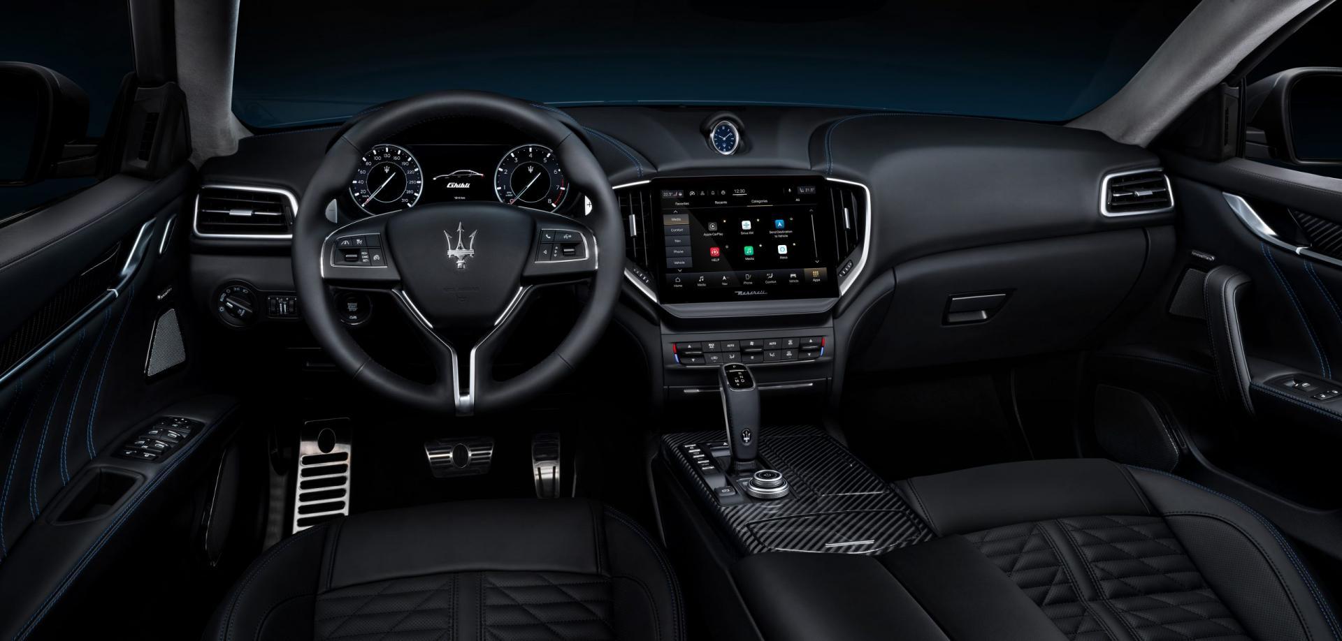 Interieur en dashboard Maserati Ghibli Hybrid 2020