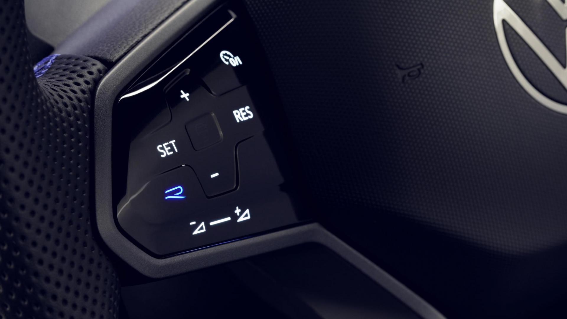 R-knop op stuur Volkswagen Tiguan R 2020