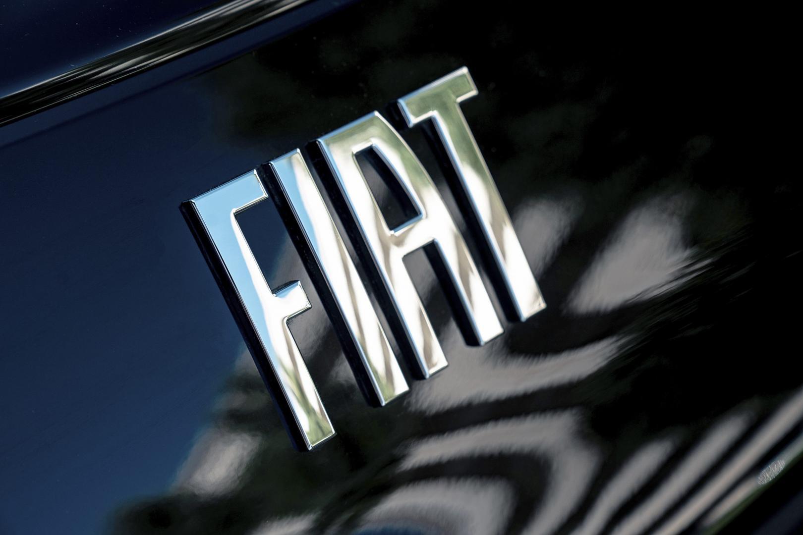 Logo op d eFiat 500C La Prima