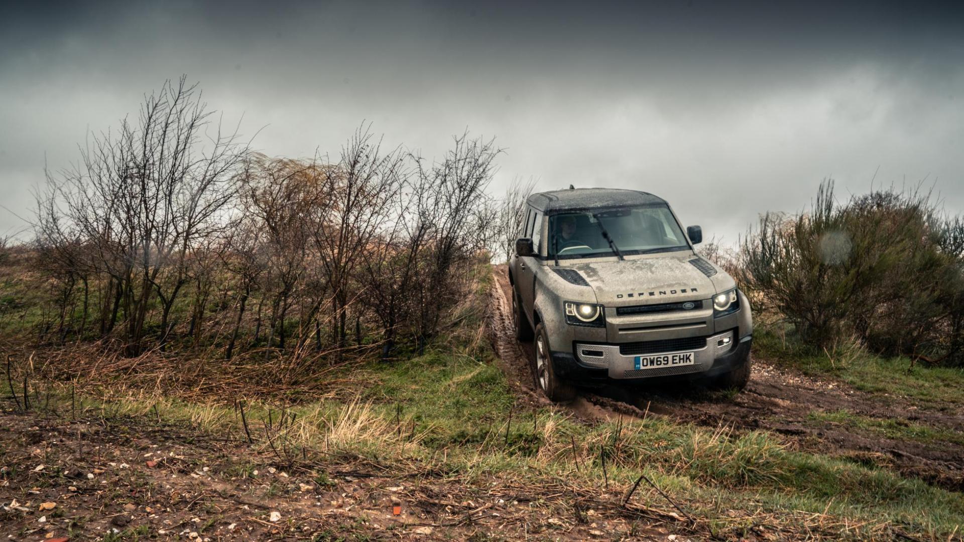 In de modder met de Land Rover Defender D240 SE