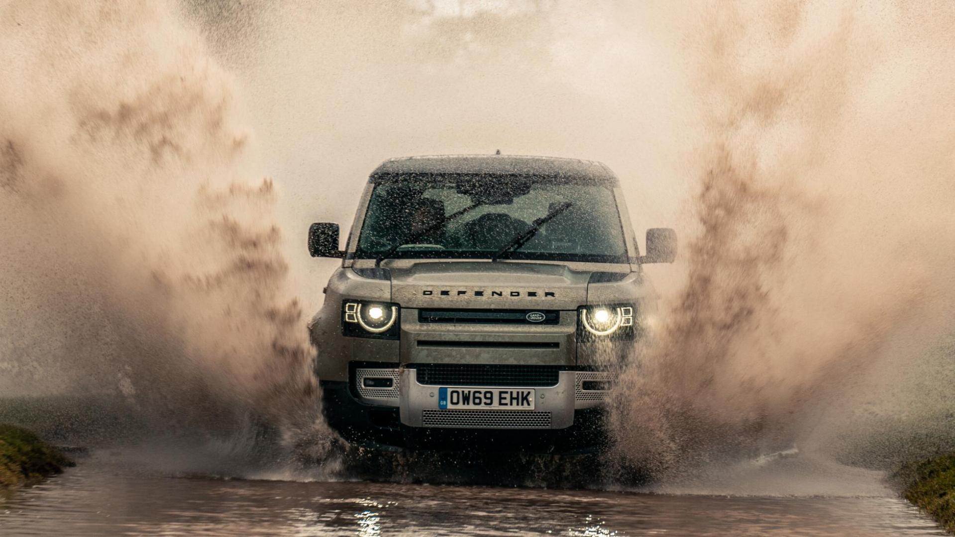 Spetters modder vies Land Rover Defender D240 SE