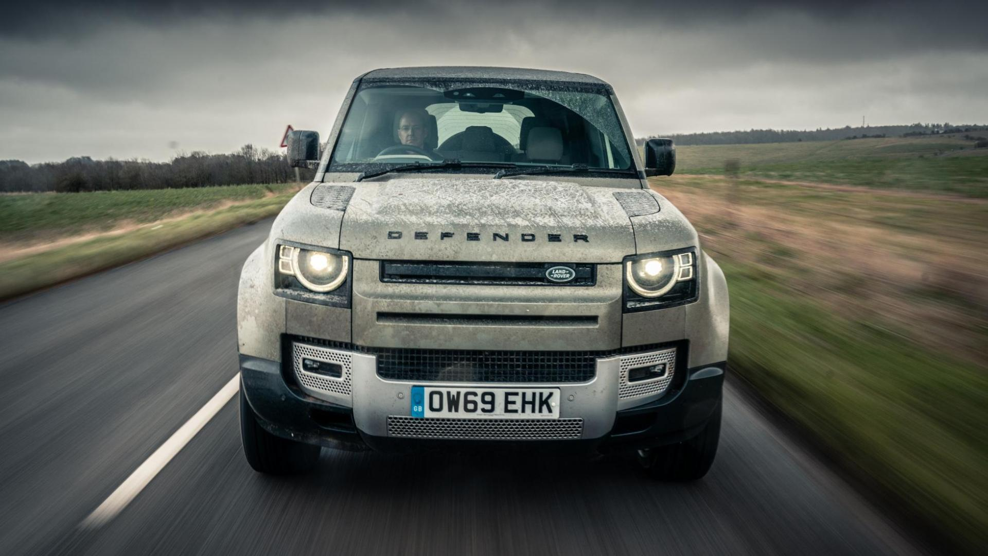 Voorkant Land Rover Defender D240 SE