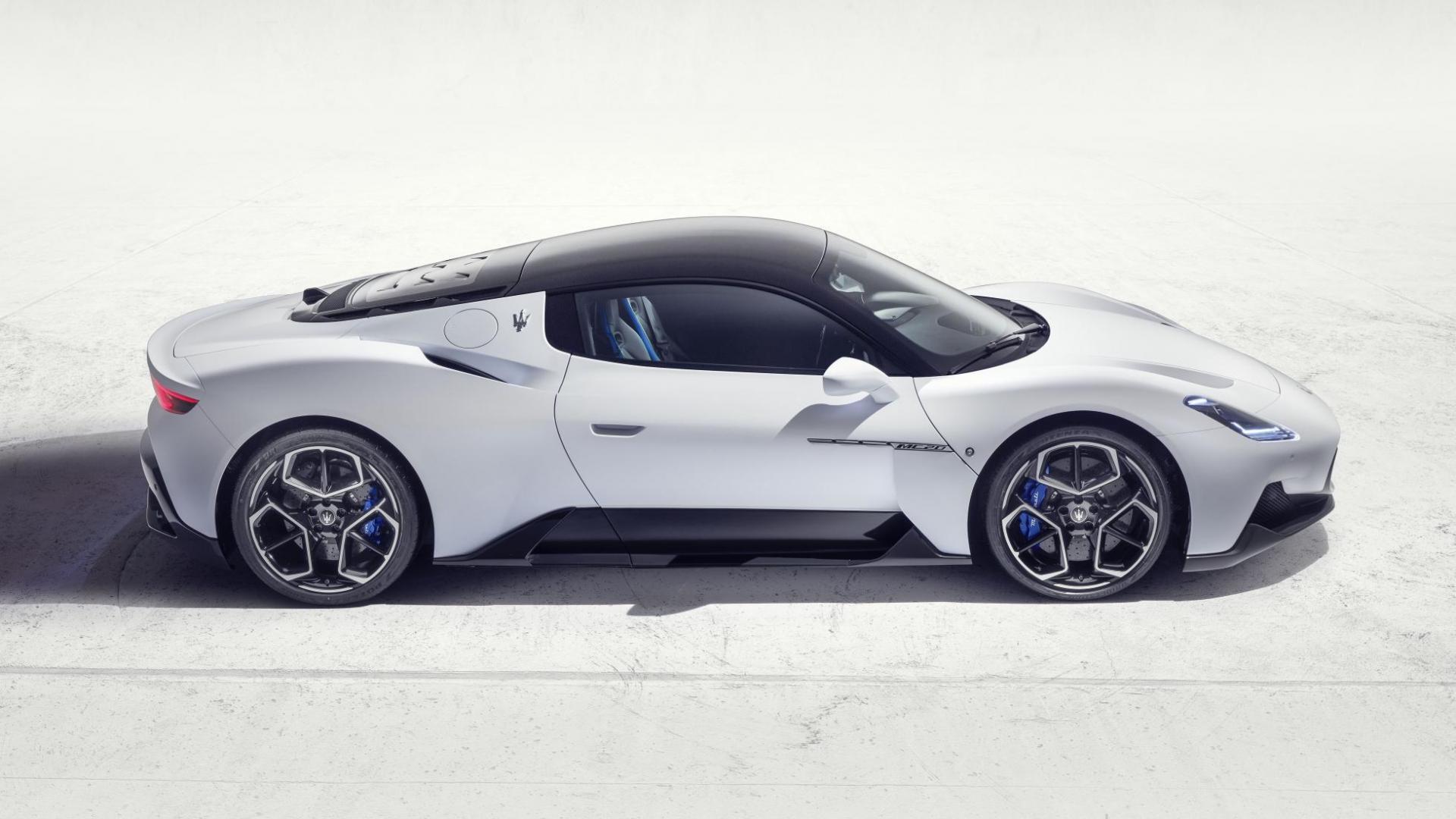Zijkant Maserati MC20 2020