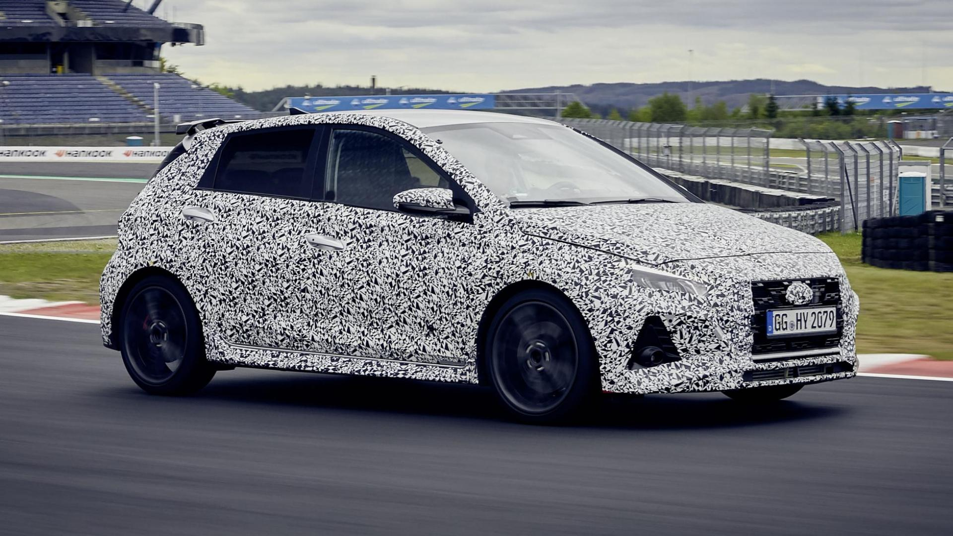 Hyundai i20 N prototype met camouflage