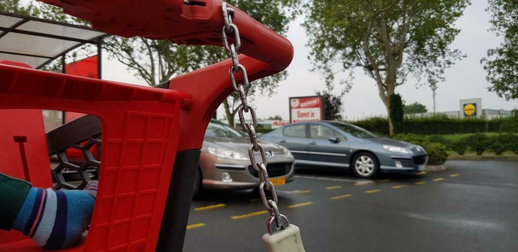 Brigitte en Peugeot 407 op Marktplaats