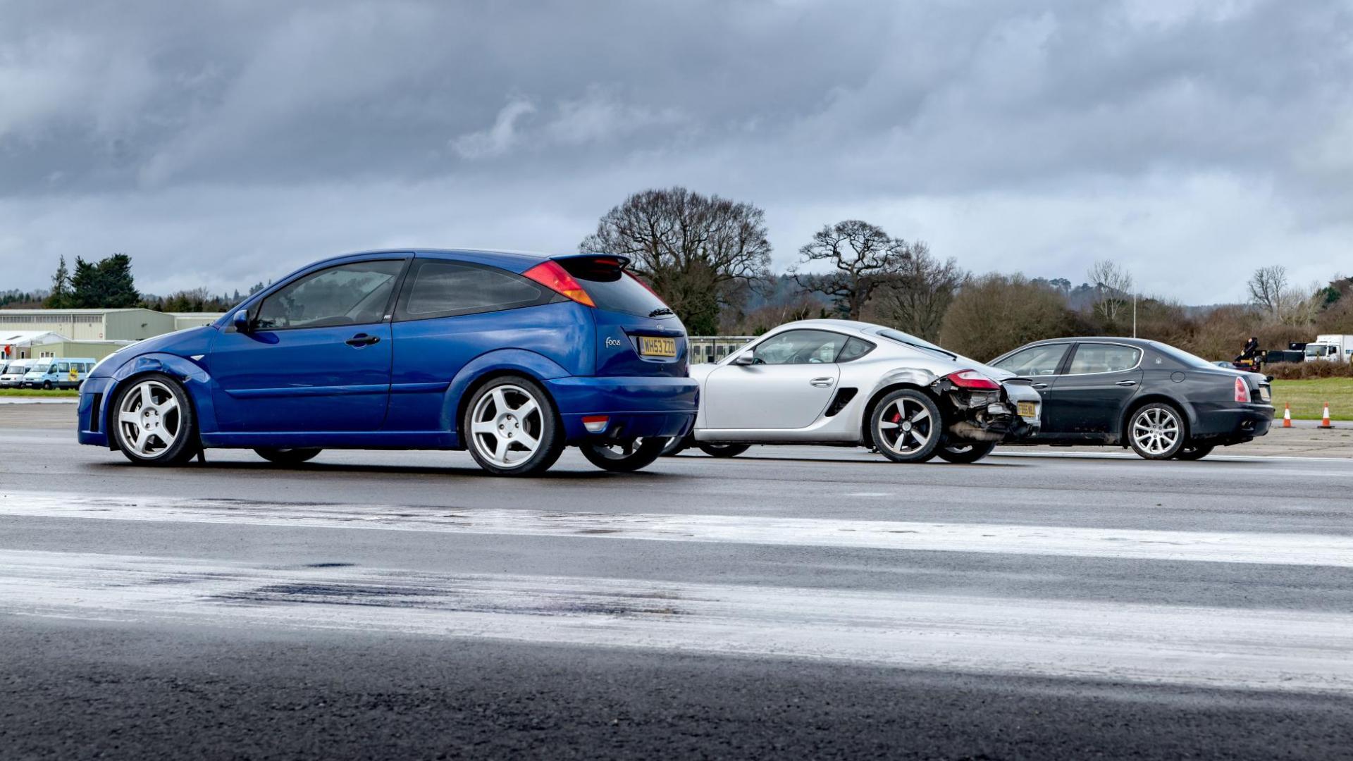 Ford Focus ST MK1, Porsche Cayman, Maserati Quattroporte met schade
