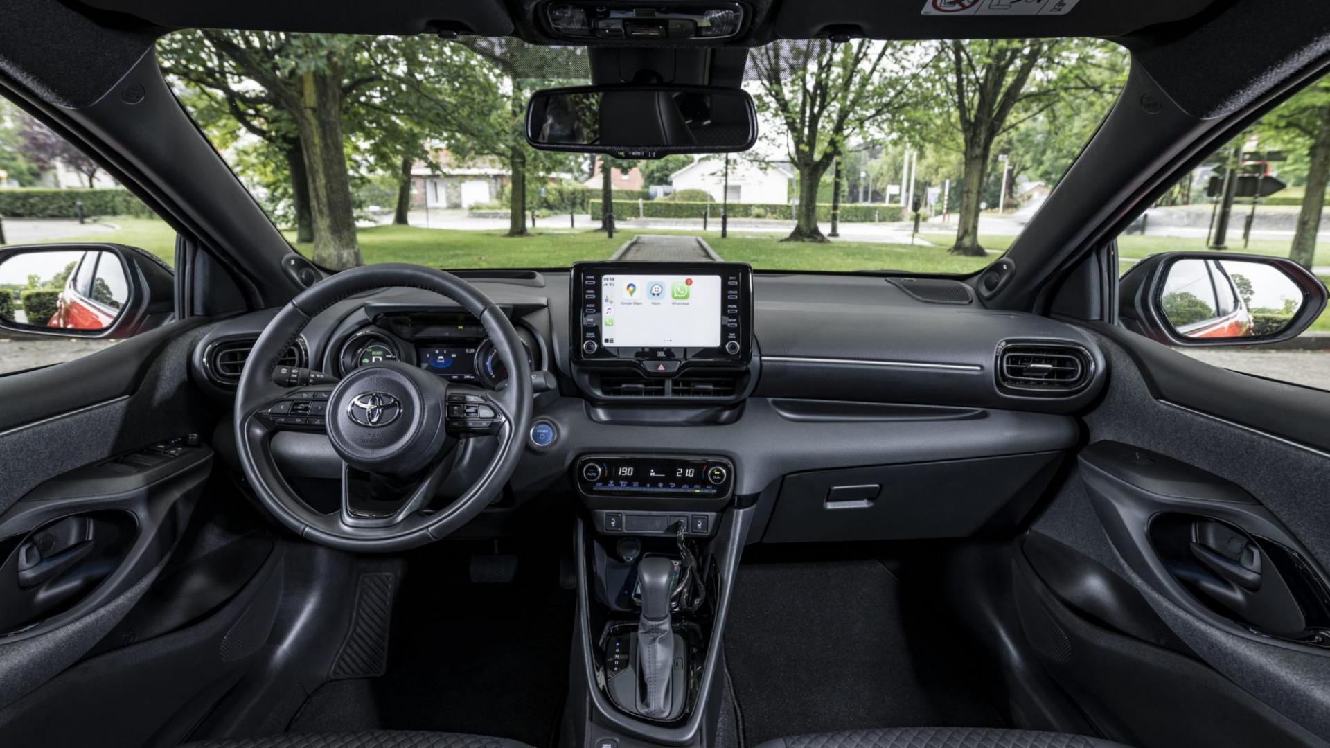 Interieur en dashboard Toyota Yaris 1.5 Hybrid Launch Edition