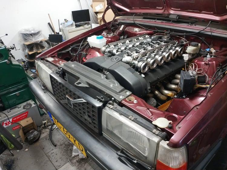Mercedes-V12 in een Volvo 740