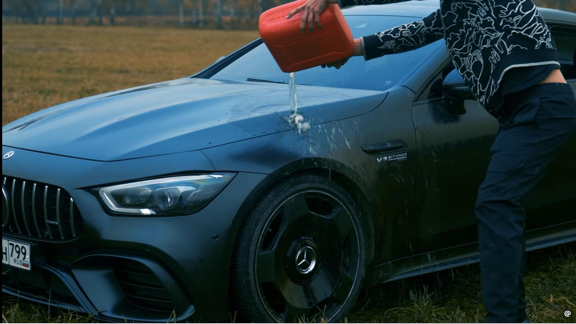 YouTuber steekt Mercedes-AMG GT 63 S in de brand