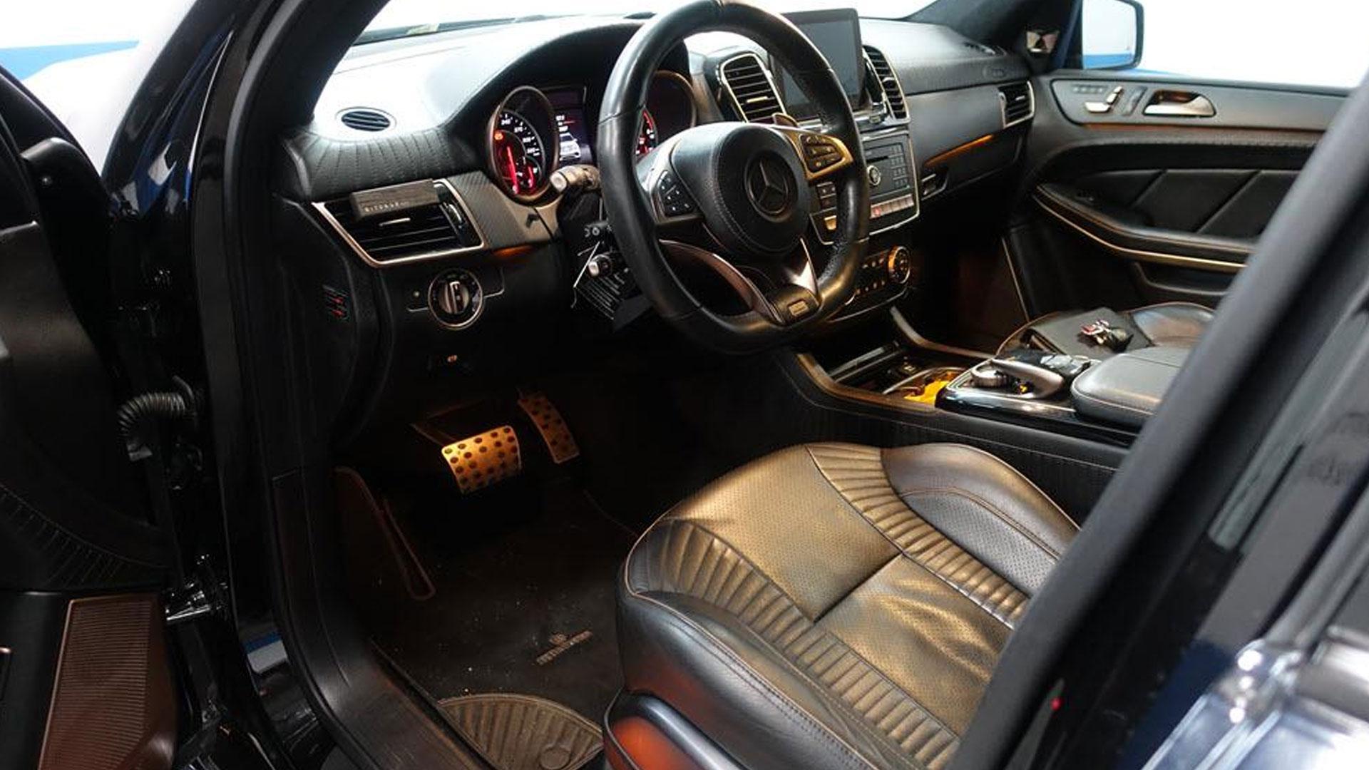 Brabus 850 XL bij Domeinen