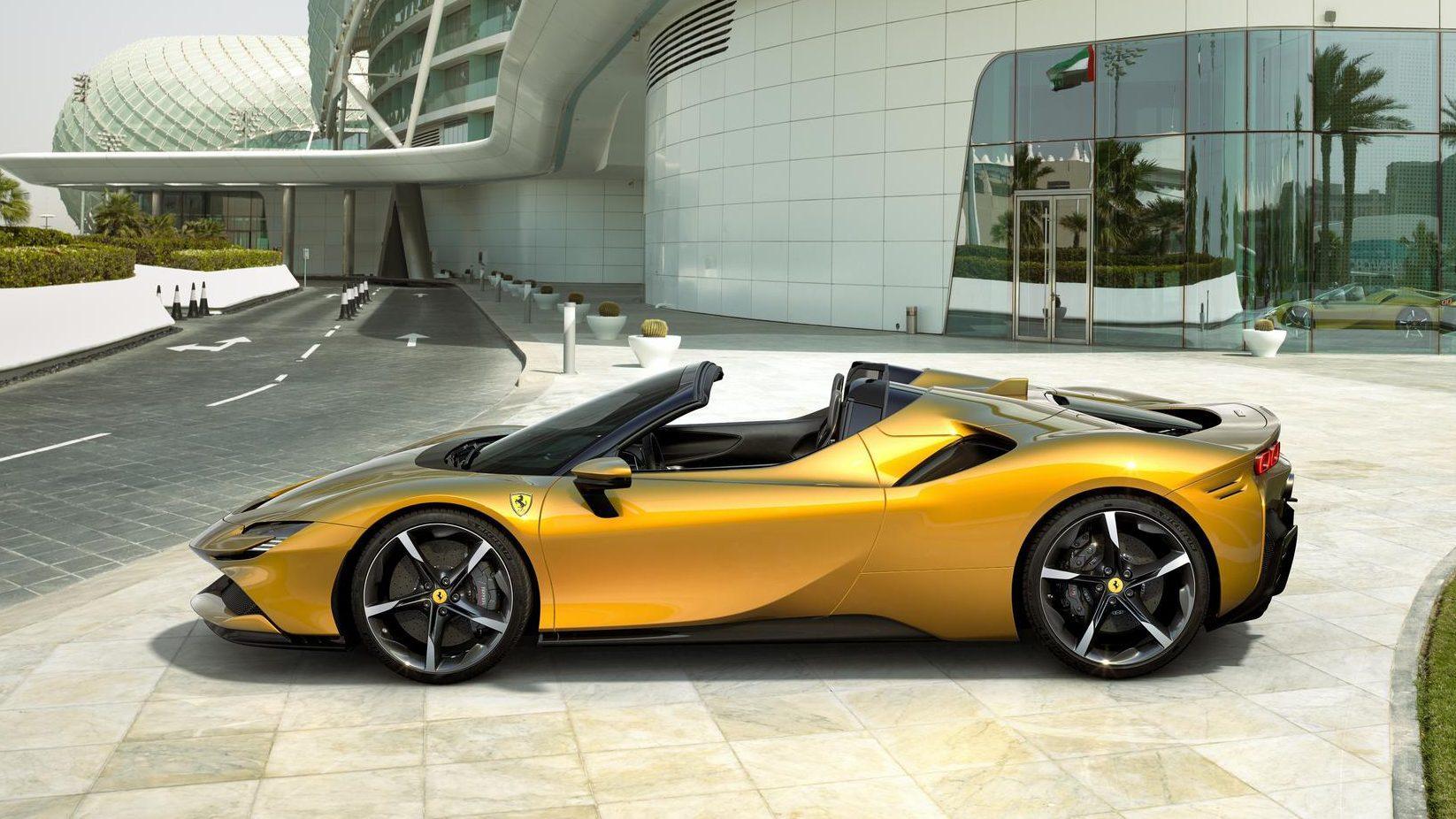 Ferrari SF90 Spider Goud