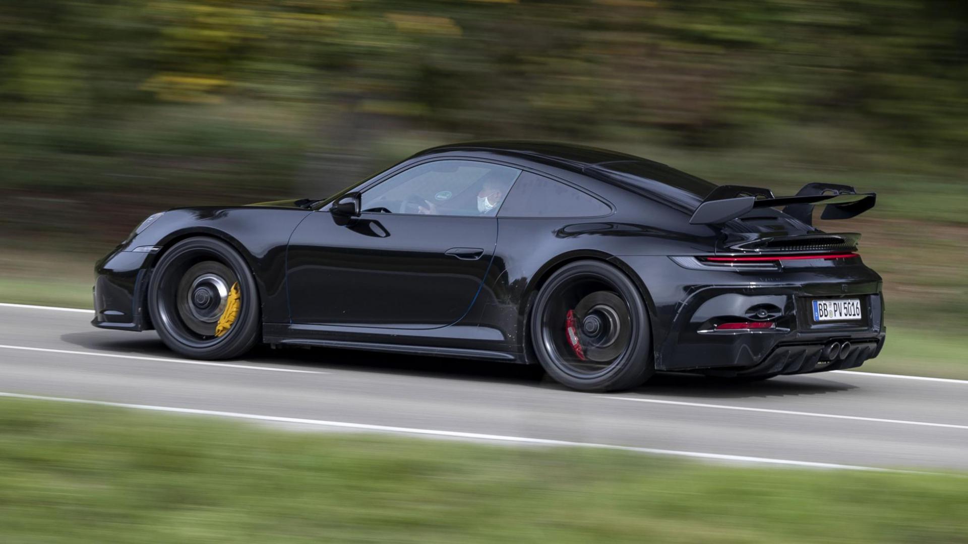 Porsche 911 GT3 992 (2021) prototype