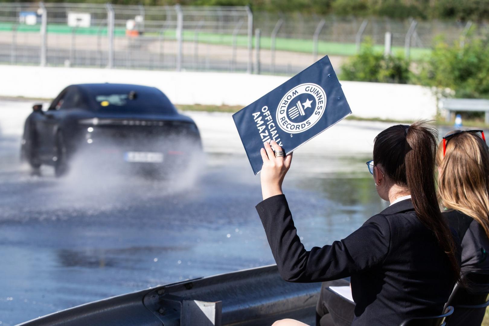 Porsche Taycan drift record 2020