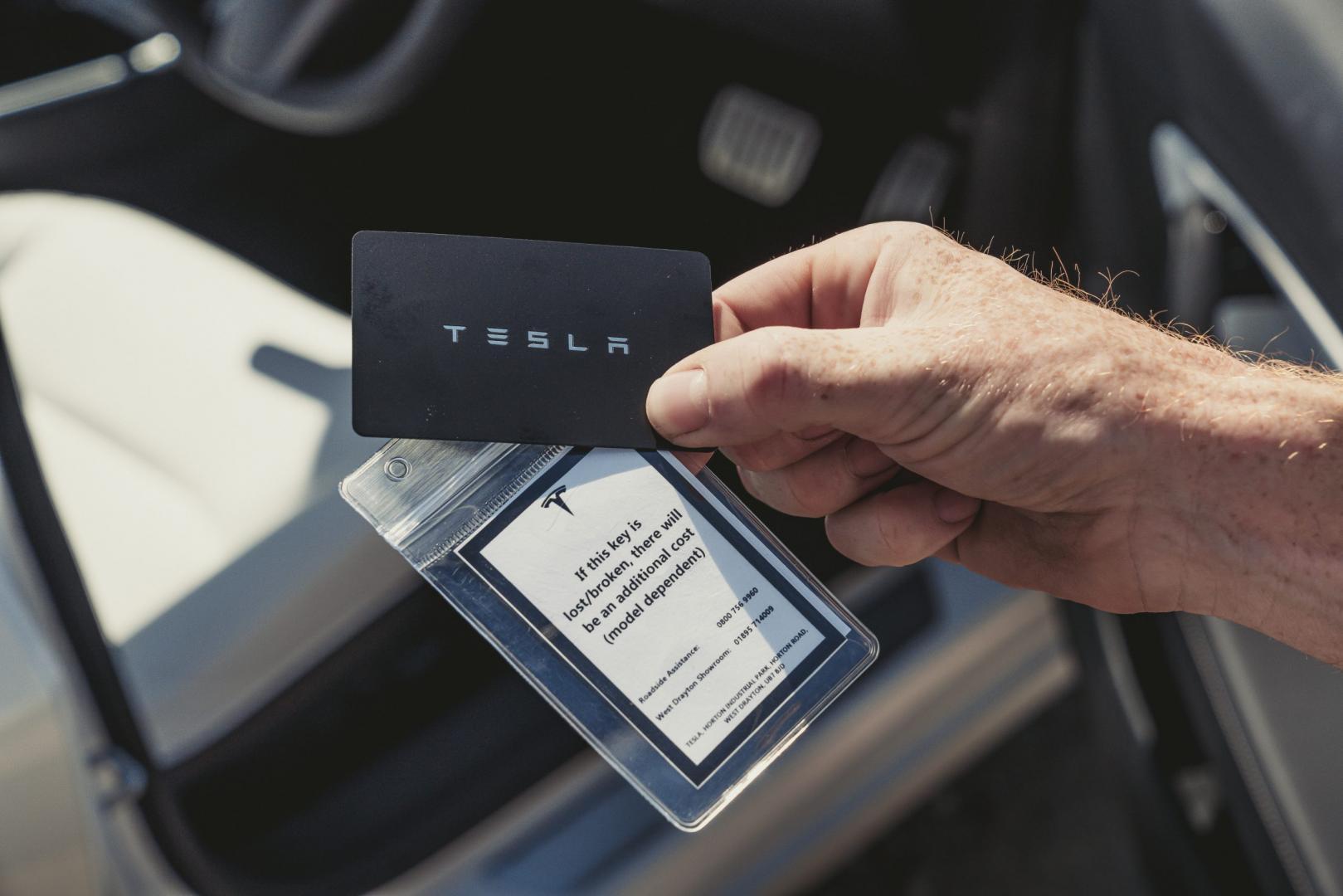 Sleutel kaartje Tesla Model 3