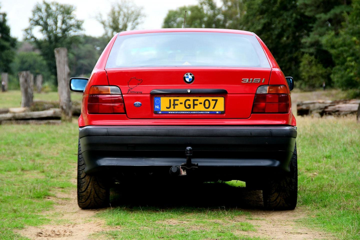 BMW 3-serie Compact met V12