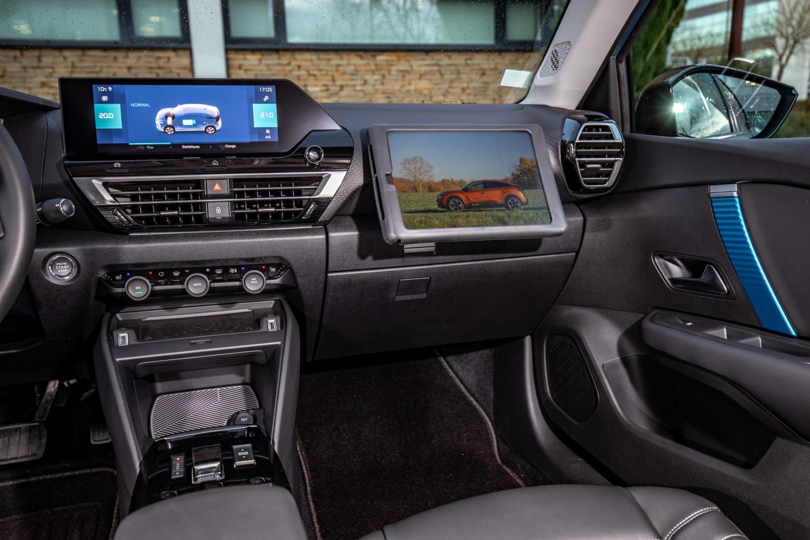 Interieur en scherm Citroën ë-C4 Shine