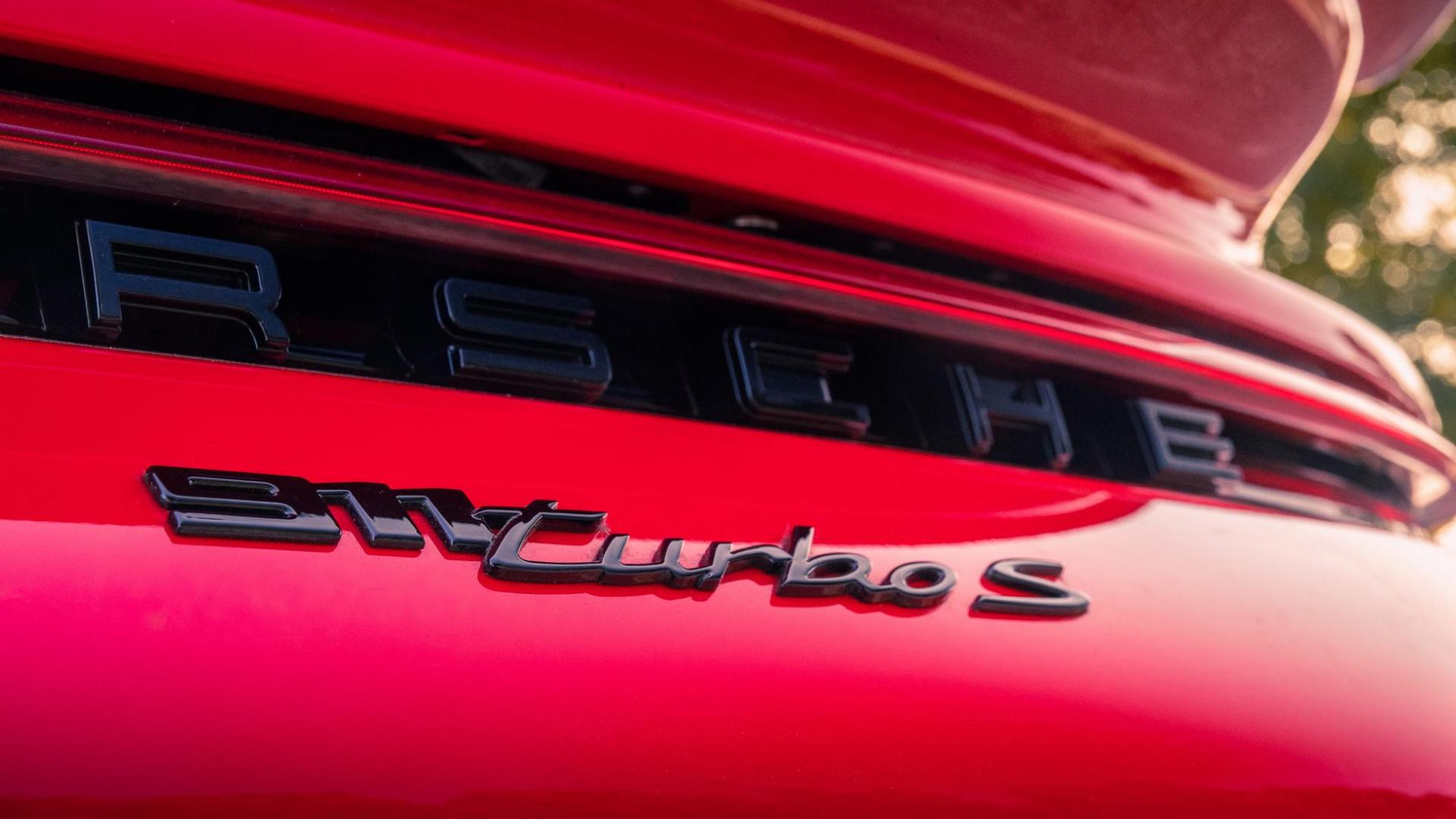 badge en logo Porsche 911 Turbo S