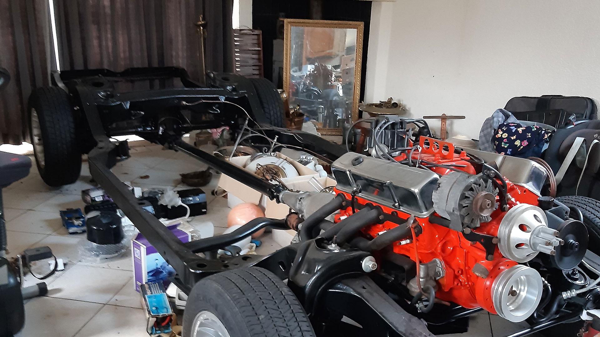 Autoproject in een woonkamer