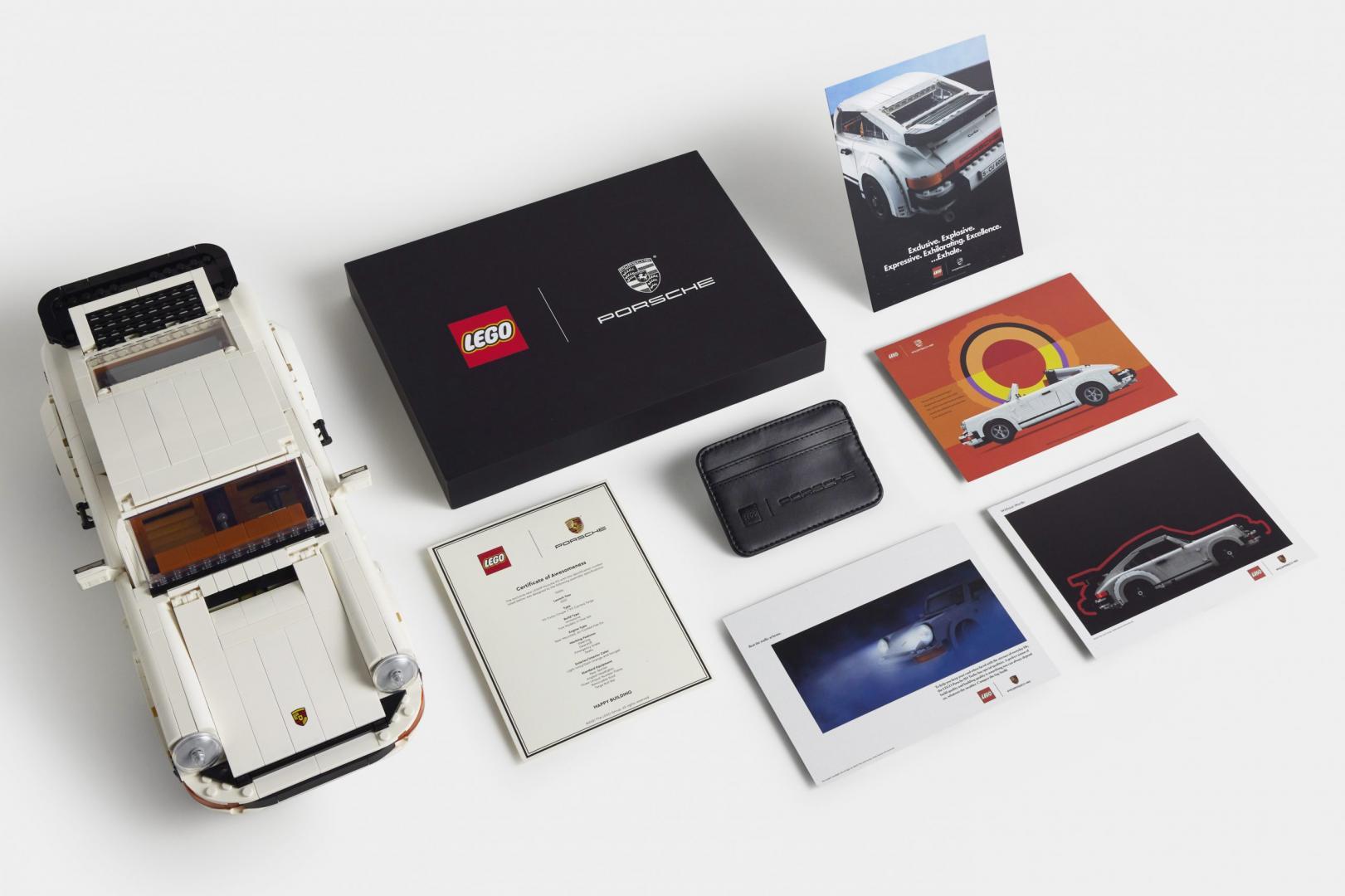 Porsche 911 Turbo met boekje