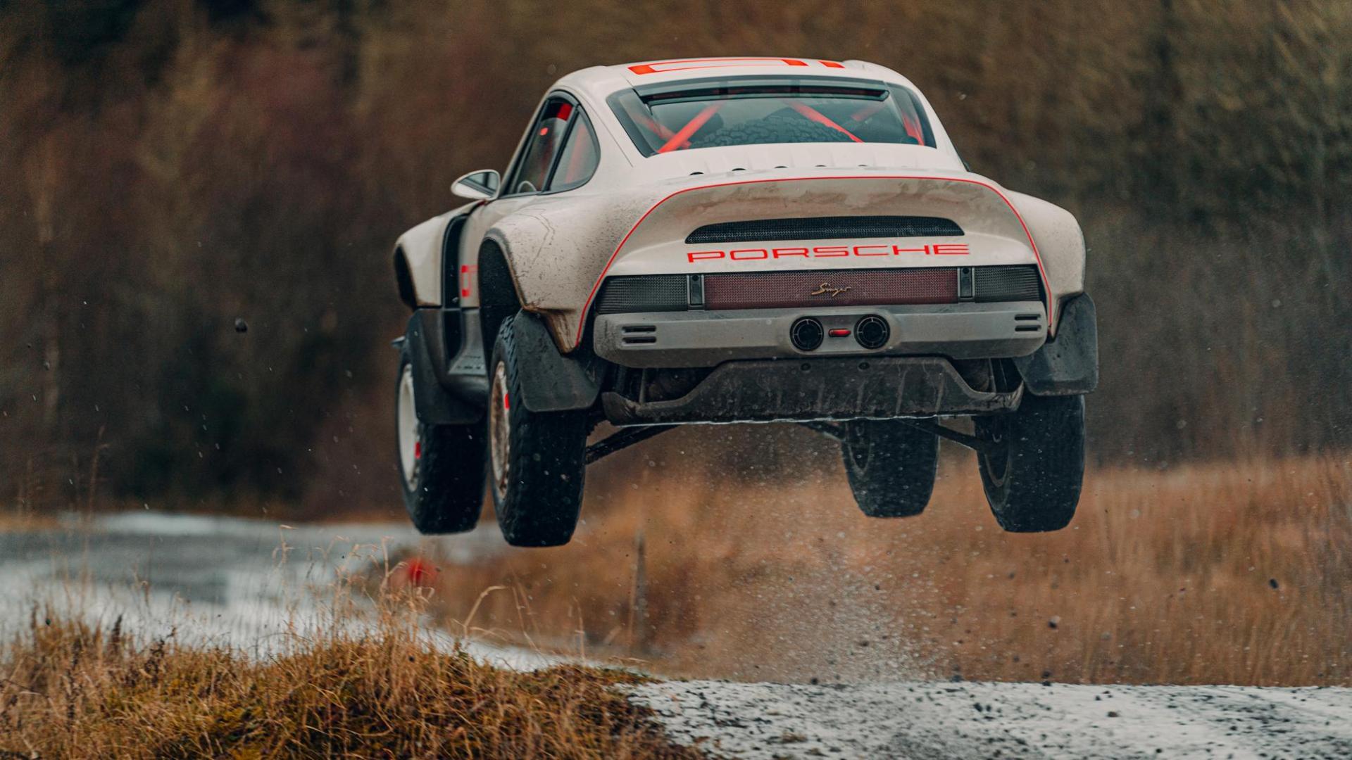 Singer Safari 911 (Porsche 911 964) sprong