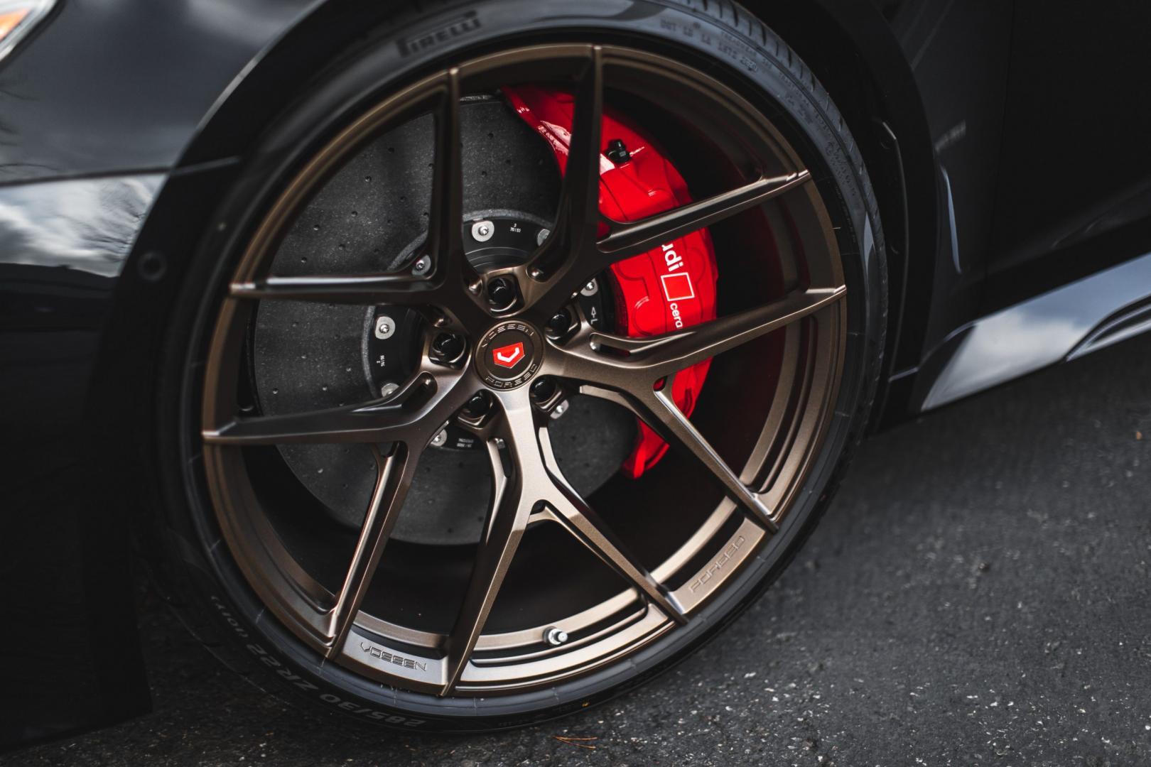Vossen S21-01 met remschijven en rode klauwen Audi