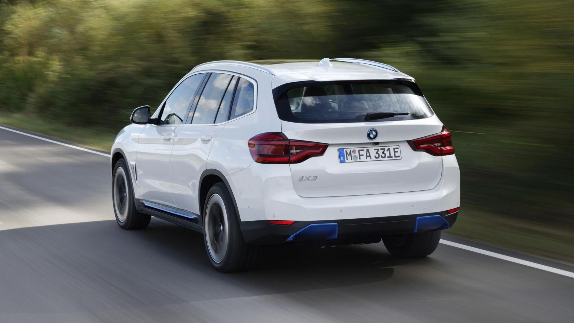 Achterkant BMW iX3