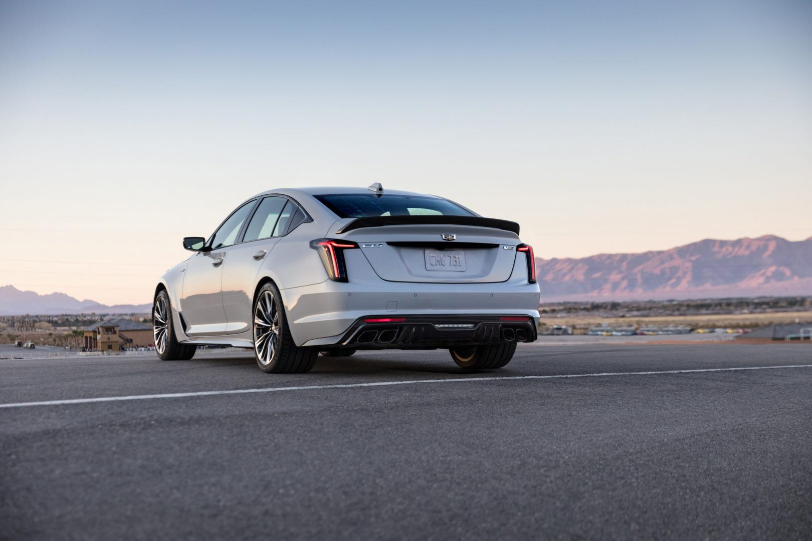 Cadillac CT5-V Blackwing (wit)