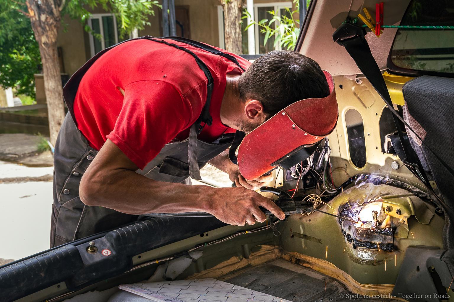 Tajikistan - welding of chassis
