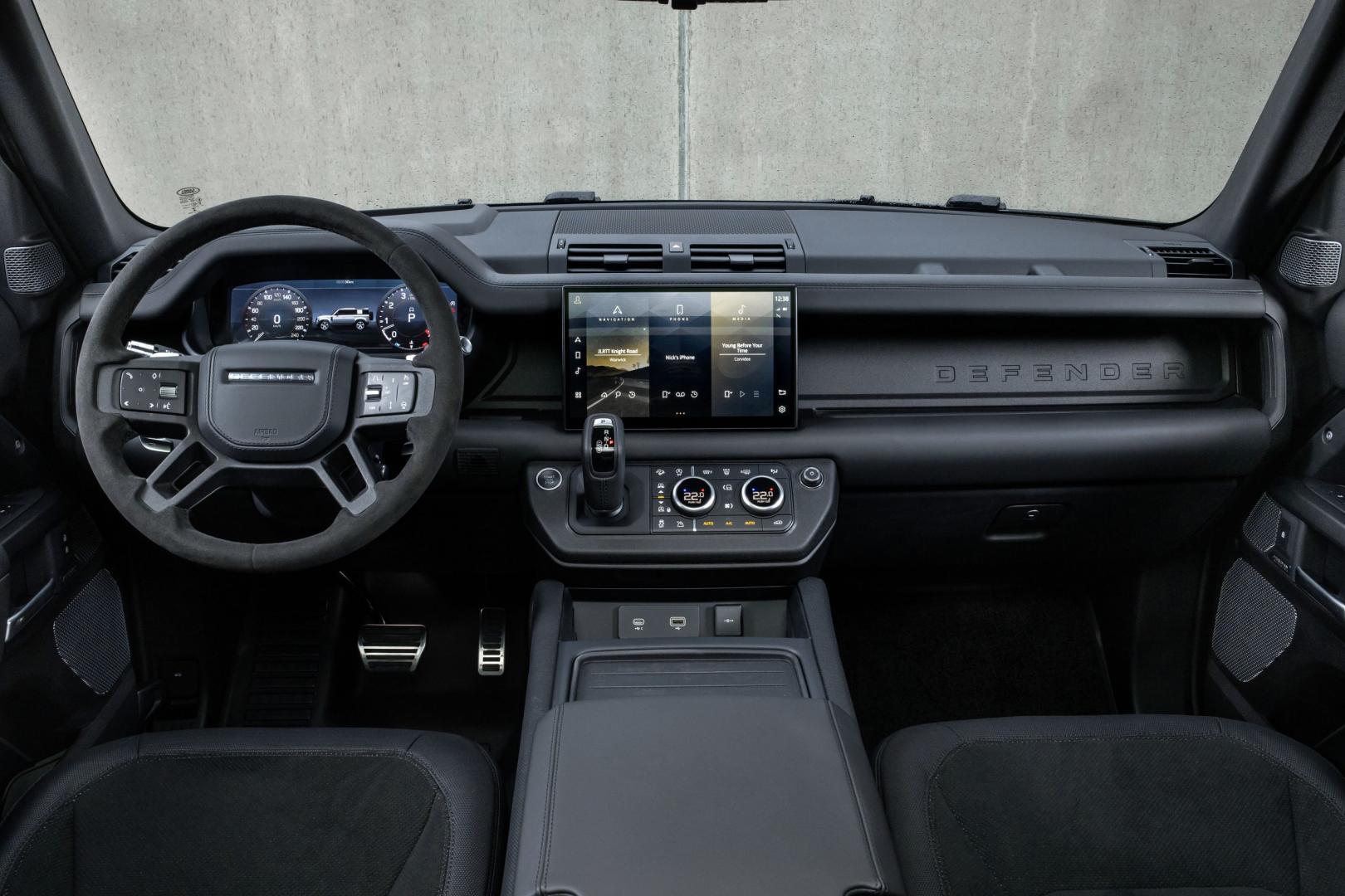 Dashboard Land Rover Defender V8 (2021)