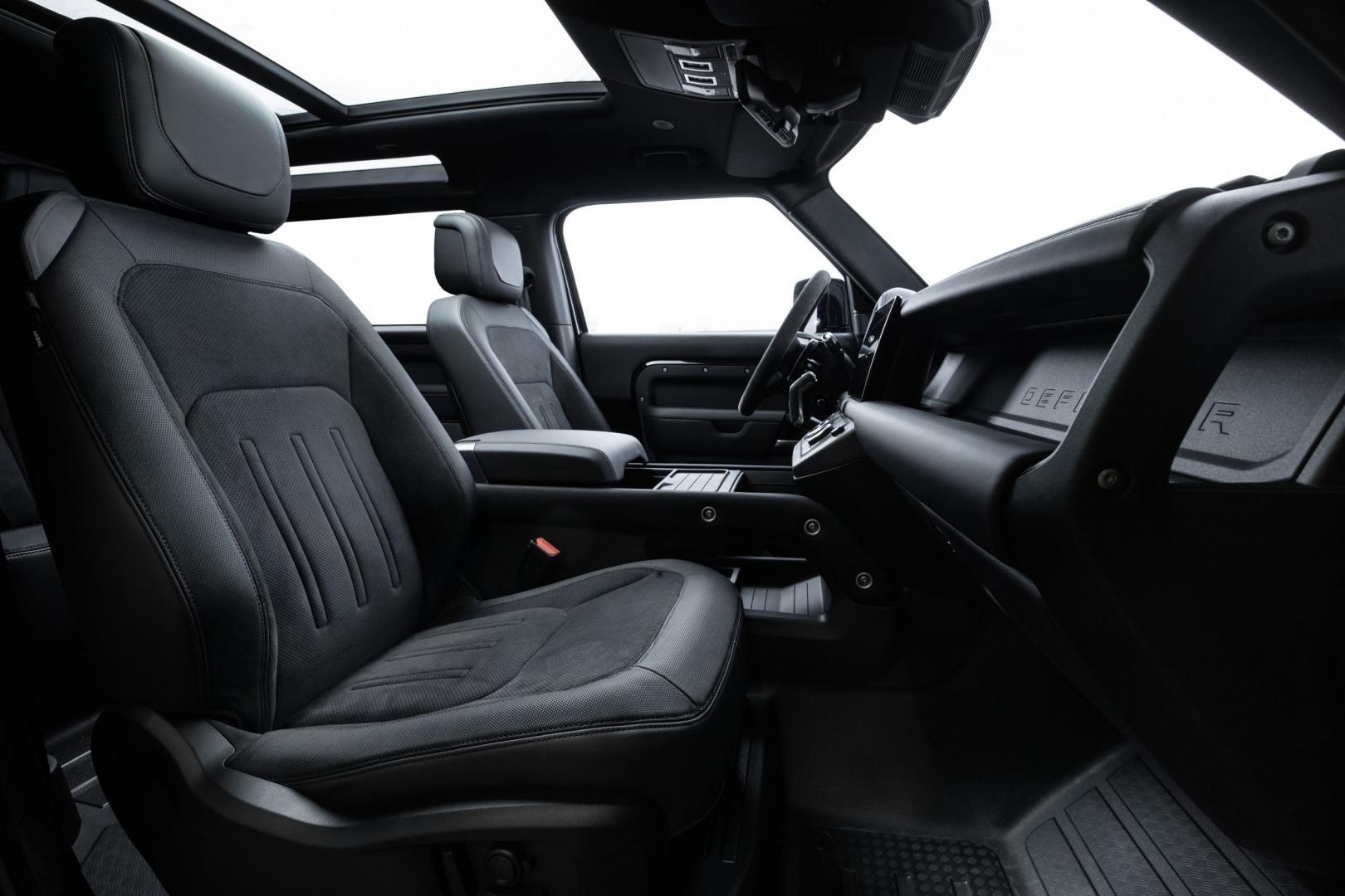 Interieur en stoelen Land Rover Defender V8 (2021)