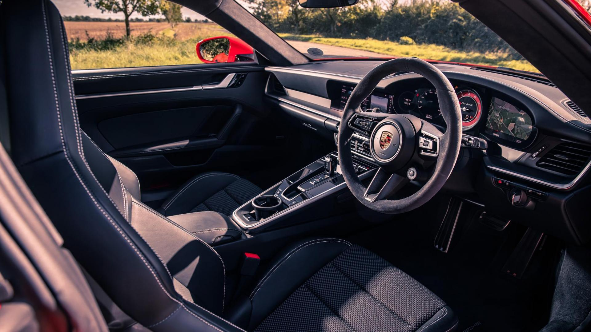 Interieur Porsche 911 Turbo S (992) (2020) (Rood)