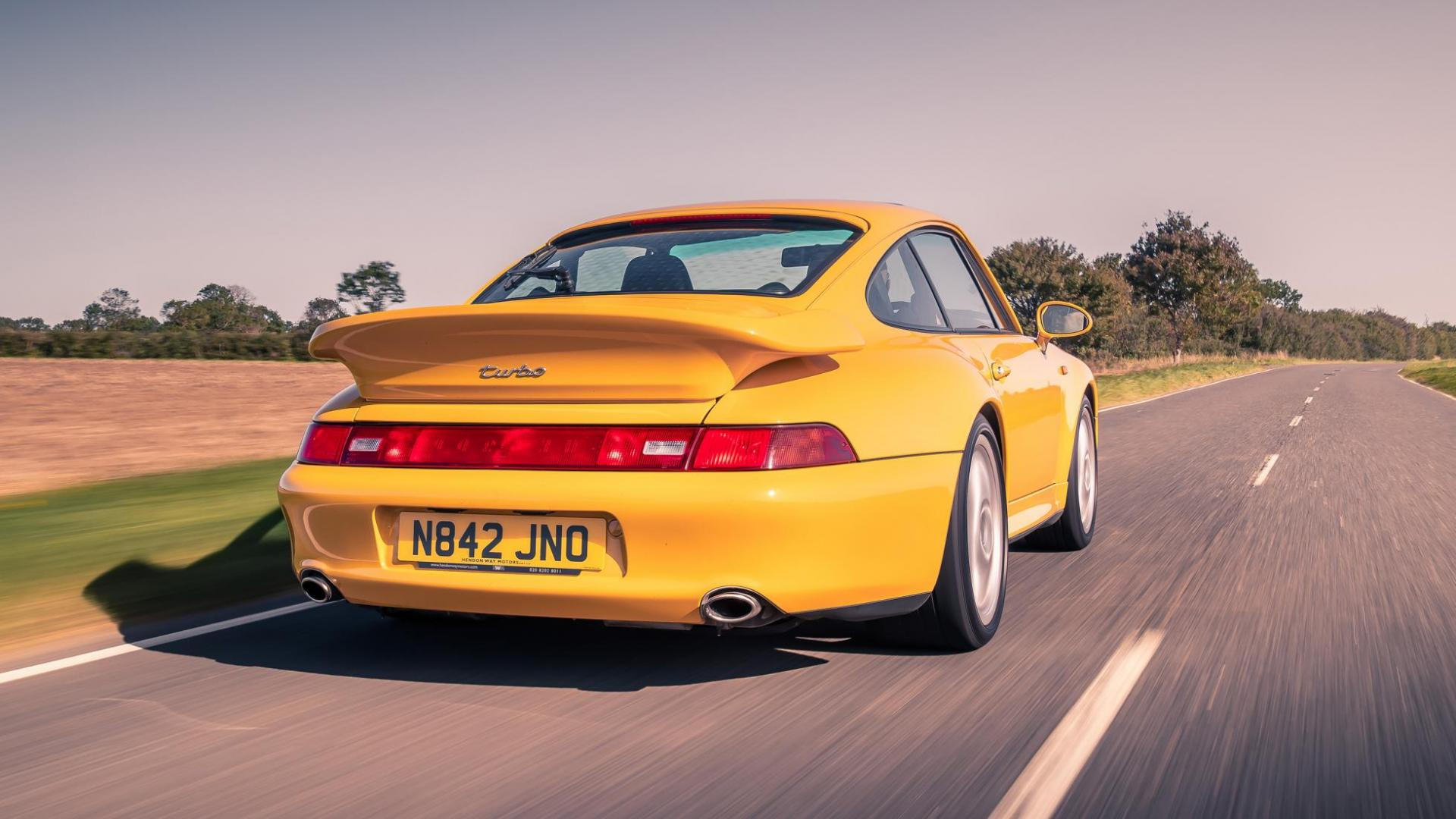 Achterkant Porsche 911 Turbo 993 (1995) (geel)