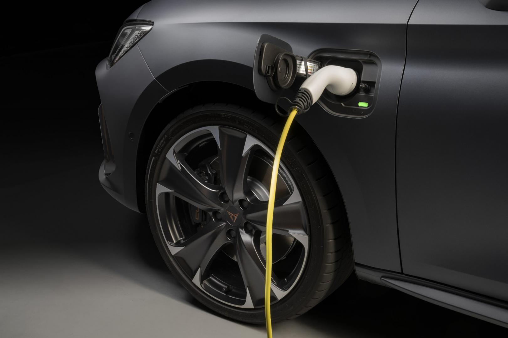 Cupra Leon e-Hybrid 2021: 1e rij-indruk