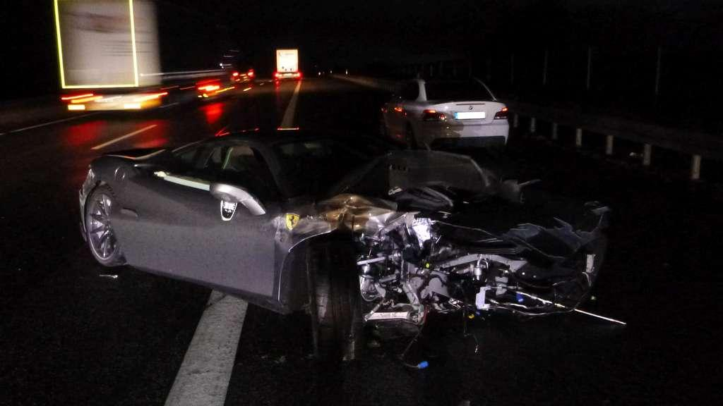 Ferrari F8 Tributo Crasht