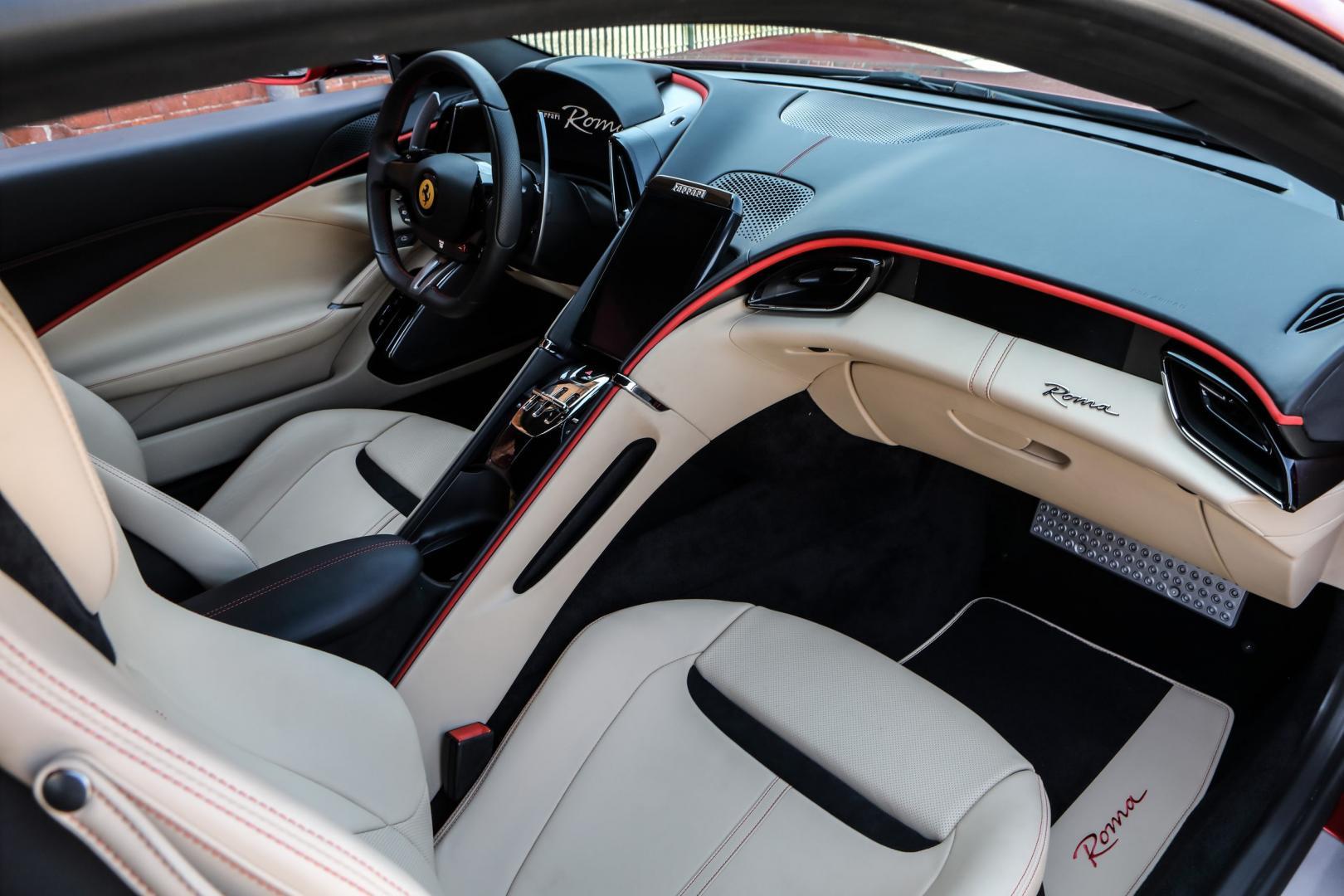 Dashboard Ferrari Roma