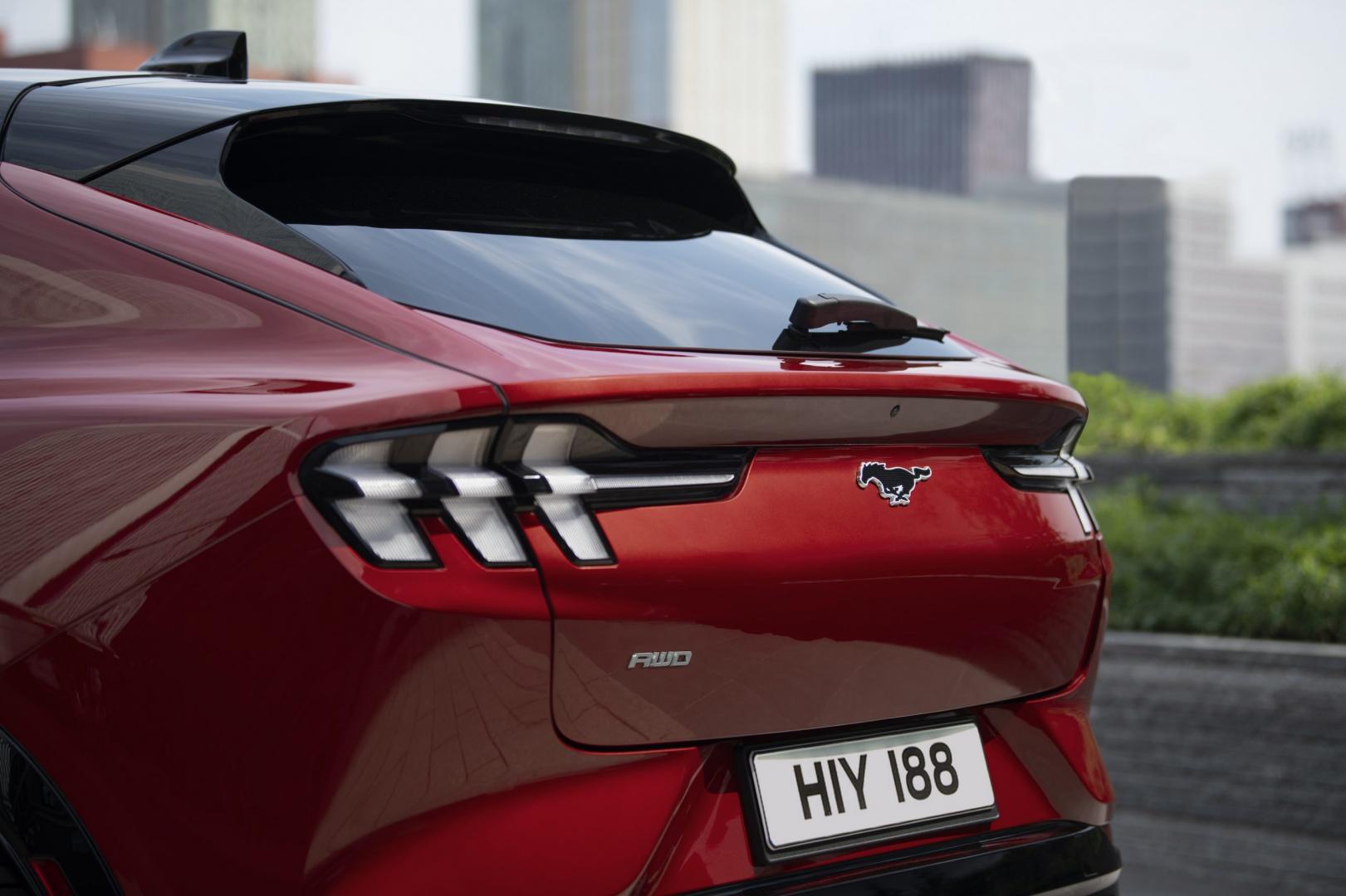 Achterklep Ford Mustang Mach-e AWD Extended Range