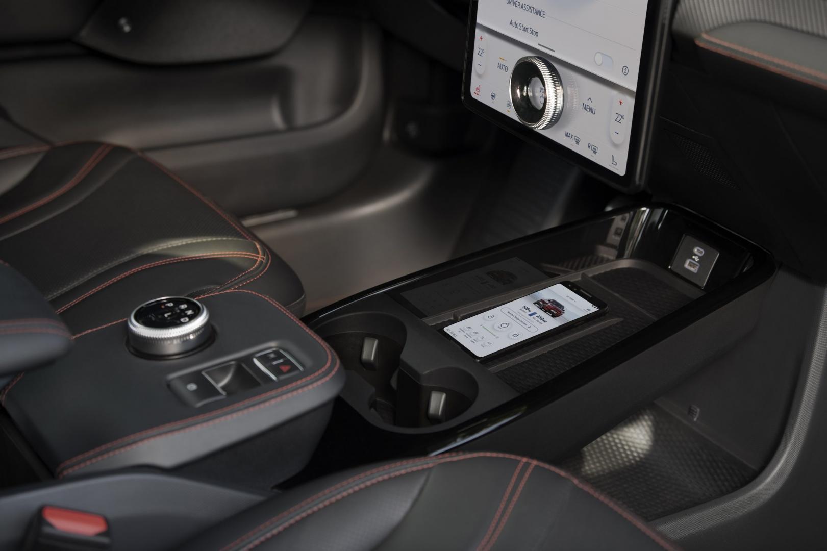 Bekerhouder Ford Mustang Mach-e AWD Extended Range