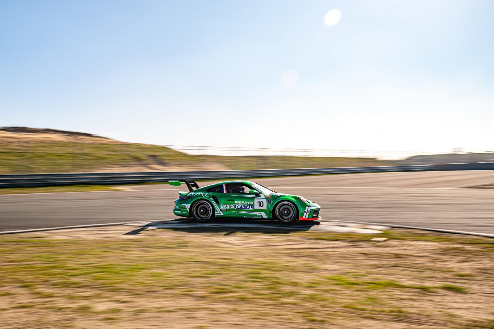 zijkant Porsche 911 GT3 Cup (992)