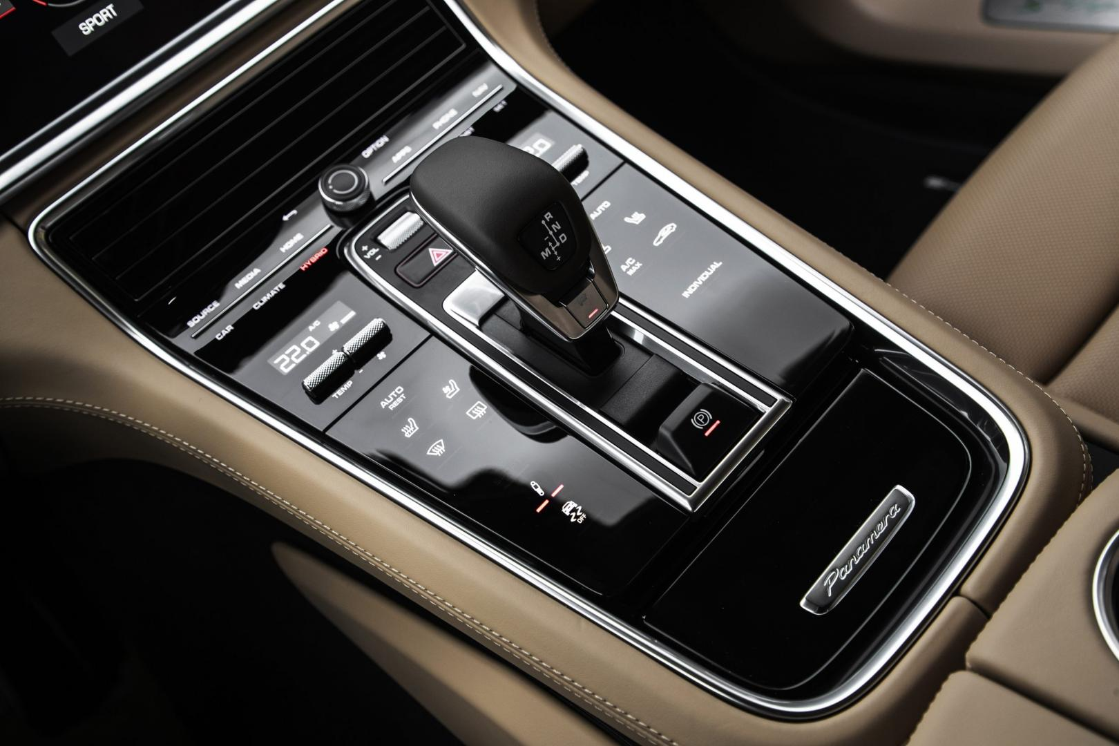 Pook Porsche Panamera Turbo S E-Hybrid Sport Turismo