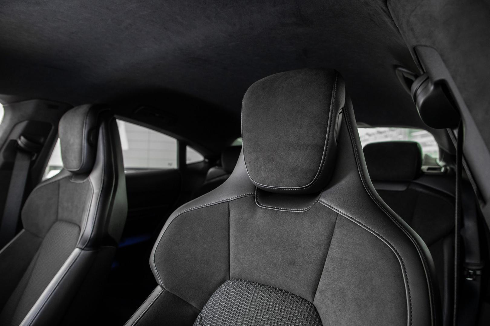 Stoel en hoofdsteun Porsche Taycan Performance Plus Accu