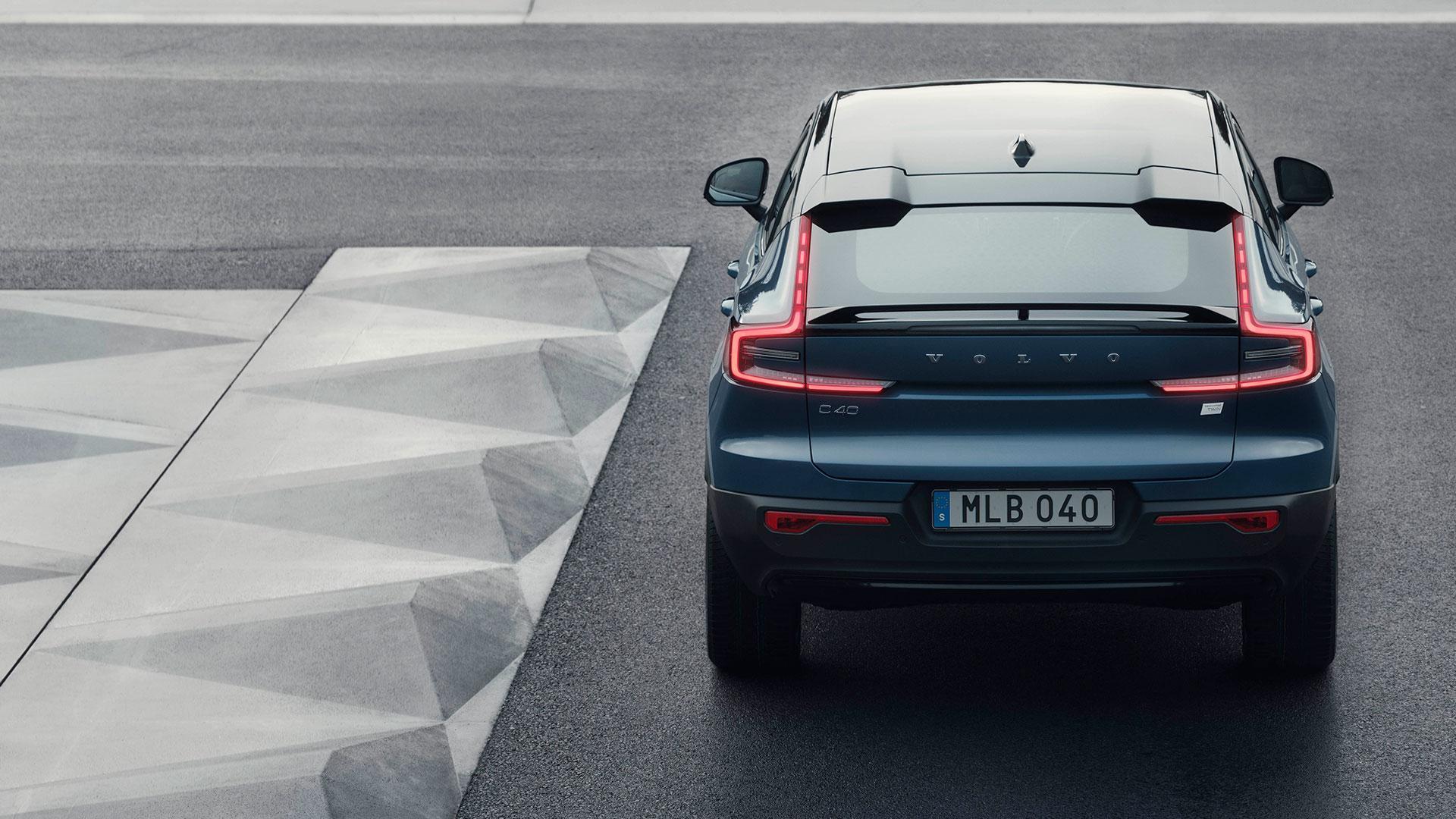 Achterkant Volvo C40 Recharge (elektrische coupe) (2021)