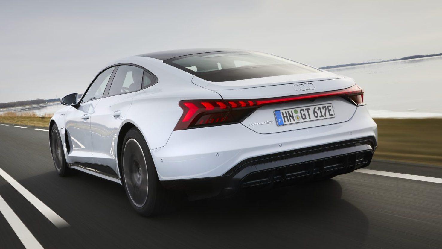 Achterkant Audi e-tron GT 60 Quattro (wit)