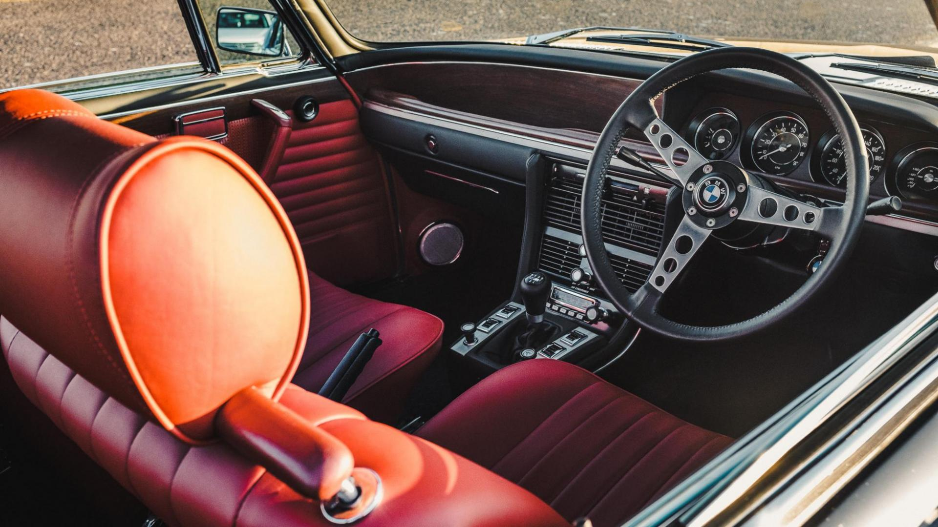 Interieur BMW 2800 CS met M3-motor