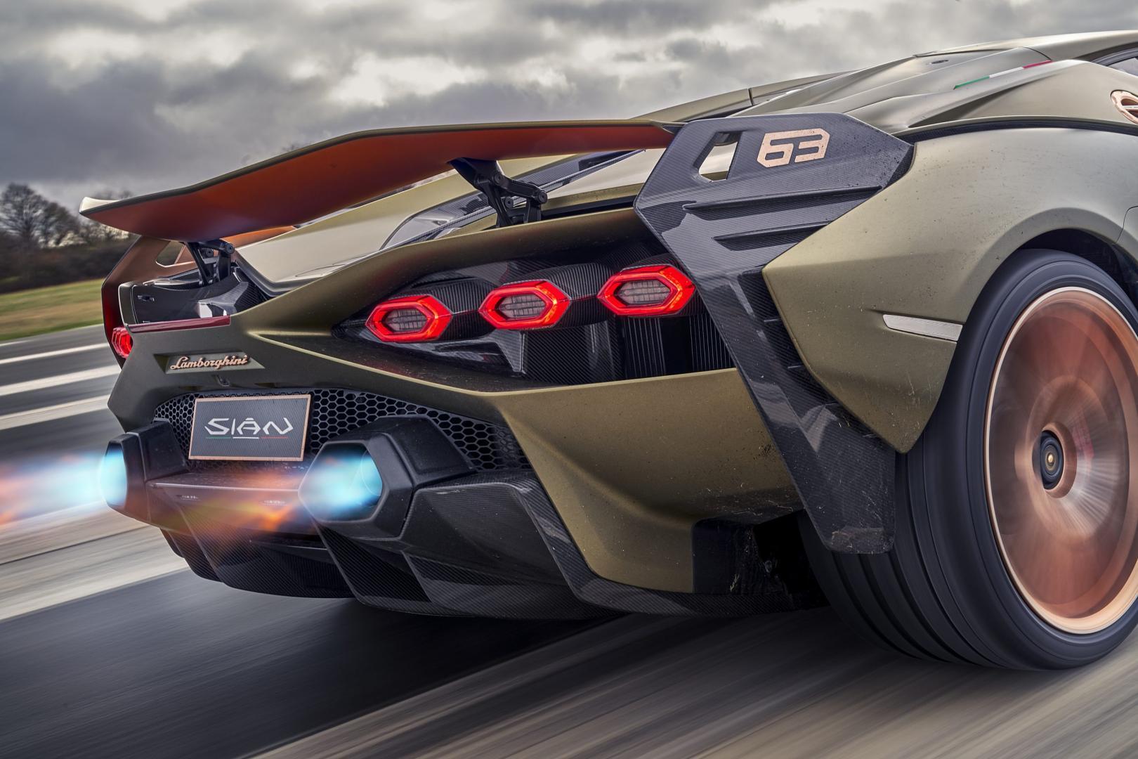 Lamborghini Sian vlammen