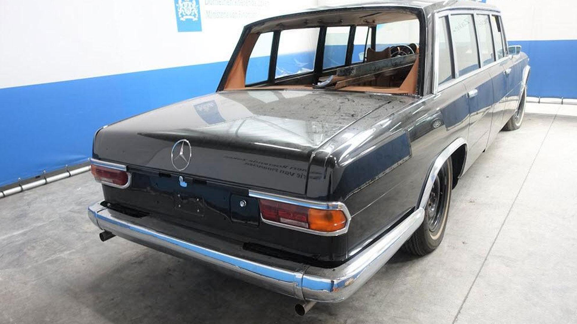 Mercedes 600 Pullman bij Domeinen